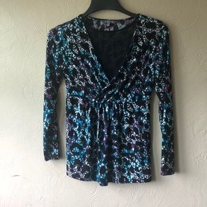Daisy Fuentes flowy blouse